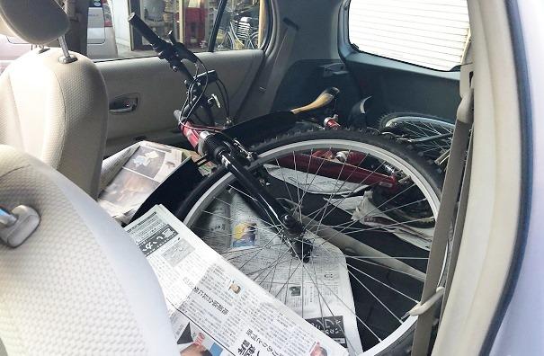 中古車Vitsの自転車運び